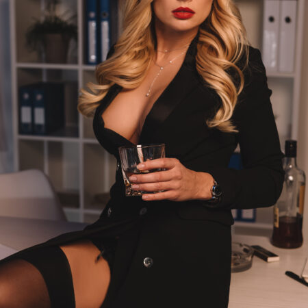 6 Tips To Help You Snag A Second Date With A MILF